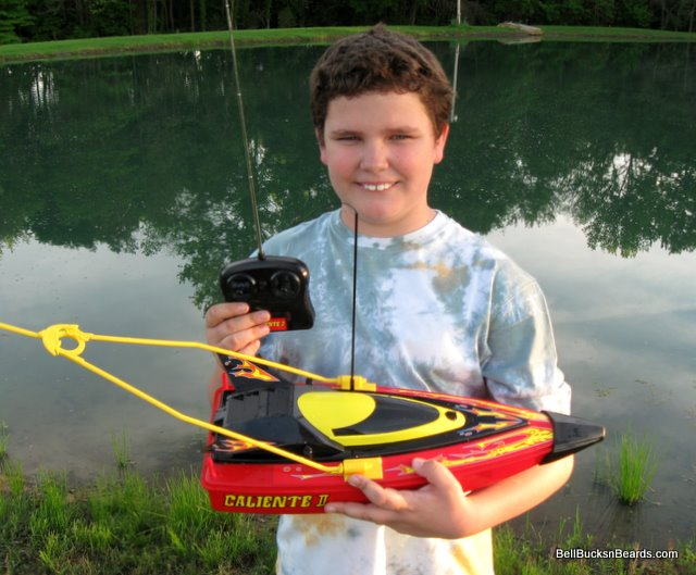 Bait boats for kids bait boats and rc fishing for Rc boat fishing